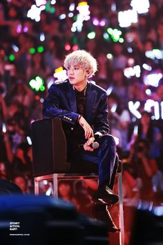 Shared by ᴸᵃᶰᵃʰ. Find images and videos about kpop, exo and chanyeol on We Heart It - the app to get lost in what you love. Chanyeol Rap, Baekhyun, Exo Kai, Exo Ot12, Chanbaek, Exo Concert, Exo Luxion, Exo Korean, Exo Members