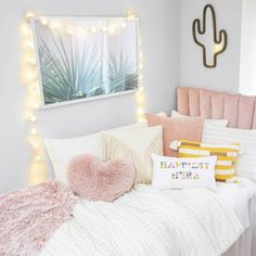Room Ideas Bedroom, Teen Room Decor, Bedroom Layouts, Dream Bedroom, Girls Bedroom, Bedroom Decor, Teen Rooms, Dorm Rooms, Pink Bedding