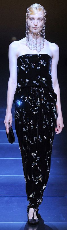 ✪ Armani Prive Fall Couture 2012 ✪ http://www.vogue.com/collections/fall-2012-couture/armani-priv/review/#/collection/runway/fall-2012-couture/armani-priv/1/
