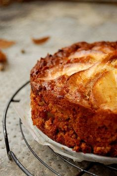 Great recipe for Norwegian Apple Cake. This is a wonderfully simple apple cake recipe that& full of the goodness of fresh apples. Apple Cake Recipes, Baking Recipes, Dessert Recipes, Apple Cakes, Just Desserts, Delicious Desserts, Yummy Food, Norwegian Food, Norwegian Recipes