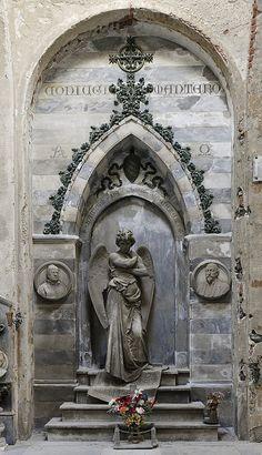 Cimitero monumentale di Staglieno by Nikontento, via Flickr