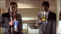 PULP FICTION (VOSE) - Escena de John Travolta y Samuel L. Jackson, ambos actores predilectos de Tarantino. Emblemático si lo hay de la cultura del pop de los 60, el filme es uno de los más grandes aciertos del director.