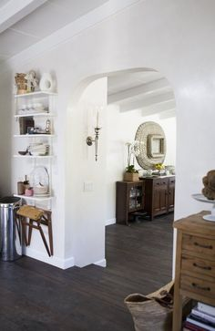 archway into the rest of the house Where We Cook: Caroline & Jeffrey's Elegant California Kitchen Interior Architecture, Interior And Exterior, White Walls, White Ceiling, Up House, Decorating Your Home, Decorating Ideas, Small Apartments, Beautiful Interiors