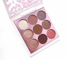 If you're enchanted by this rosy neutral look, you really must check out the MAC Kabuki Doll Eye Shadow palette. Neutral Eyes, Neutral Makeup, Pink Makeup, Mac Makeup, Best Makeup Products, Pure Products, Beauty Products, Eye Trends, Hair Again