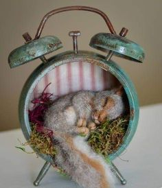Steampunk Lost in Time Nesting Baby Squirrel Aged Patina Vintage Style Alarm Clo. - Steampunk Lost in Time Nesting Baby Squirrel Aged Patina Vintage Style Alarm Clock Needle felted Sc - Needle Felted Animals, Felt Animals, Baby Animals, Cute Animals, Funny Animals, Wet Felting, Needle Felting, Bordado Popular, Baby Squirrel