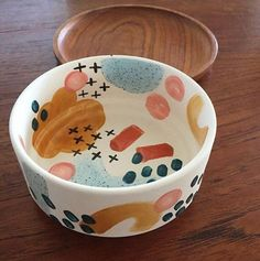 Check out this refreshing pottery wheel - what an inspired styleYou can find Pottery painting and more on our website.Check out this refr. Ceramic Bowls, Ceramic Pottery, Painted Pottery, Hand Painted Ceramics, Pottery Vase, Slab Ceramics, Paint Your Own Pottery, Porcelain Ceramic, Slab Pottery