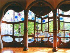 カタルーニャの自然を愛した天才!バルセロナ・ガウディの作品群を巡ろう! | スペイン | トラベルjp<たびねす>