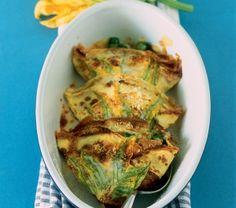Crepe agli asparagi e fiori di zucchina
