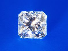 3.04ct. VS 1 J gorgeous radiant Diamond. Perfect for an engagement ring.