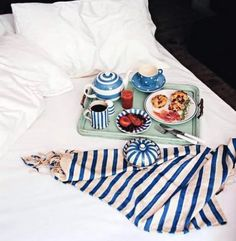 Mother's Day idea: breakfast in bed