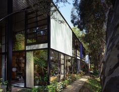 Pacific Standard Time - Indoor Ecologies: The Evolution of the Eames House Living Room