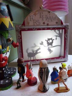 théâtre d'ombres Shadow Theatre, Toy Theatre, Diy And Crafts, Crafts For Kids, Craft Projects, Projects To Try, Creative Box, Shadow Puppets, Camping Crafts