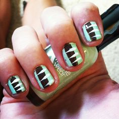 Very cute colored nails, mint colors. Use the same colors or any other colors you want to use and just make sure to get a thin white brush. With the blue top.