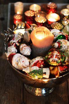 Family Christmas Eve Dinner - fork and flower Christmas Eve Dinner, Christmas Baking, Family Christmas, Christmas Holidays, Christmas Decorations, Table Decorations, Dinner Fork, Santa, Parties