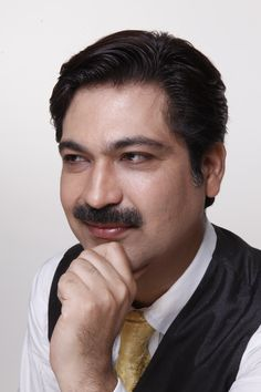 No.1 Vaastu Expert Dr. Puneet Chawla images