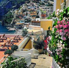 Benvenuto offers a variety of touring options to See Amalfi Coast. Enjoy the spectacular Amalfi Coast Italy Tours with Benvenutolimos Places Around The World, The Places Youll Go, Places To See, Around The Worlds, Sorrento, Italy Vacation, Italy Travel, Toscana Italia, Italy Holidays