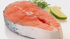 El Salmon .. Los omega 3 disminuyen en sangre la concentracion de colesterol malo LDL y triglicéridos a la vez que aumentan la concentracion de HDL colesterol bueno. Esto junto a su capacidad de disminuir la presión arterial y sus propiedades anticoagulantes los hacen idóneos en la prevención de enfermedades relacionadas con el sistema cardiovascular. Por su actividad antiinflamatoria puede ser de utilidad en la dismenorrea (reglas dolorosas), artritis y otros procesos inflamatorios