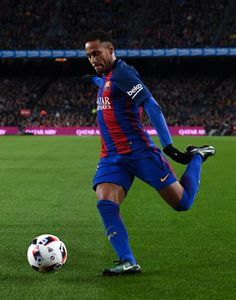 Neymar Jr. of FC Barcelona runs with the ball during the Copa del Rey round of 16 second leg match between FC Barcelona and Athletic Club at Camp Nou on January 11, 2017 in Barcelona, Catalonia.