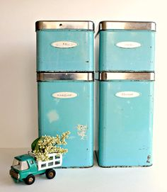 I love, love, love retro kitchen stuff. Vintage tins are such a great way to store things in your kitchen and still look great. Besides I am a big fan of long lasting, non plastic, reusable items. Also good for other storage in your home... Get Creative. :)