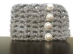 Hey, I found this really awesome Etsy listing at https://www.etsy.com/listing/208877096/chunky-gray-scarflette-with-faux-pearl