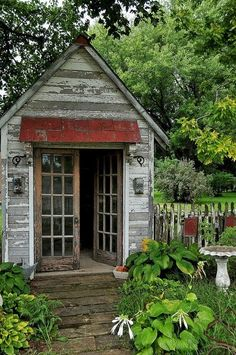 fleaChic: Rustic Garden Shed. Can you please give me that red roof?!