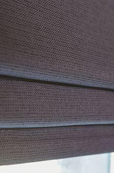 Vouwgordijn met isolerende waarde en gerecycled garen - stof Reflex | #Gordijnen #Recycle #Curtains #Antraciet