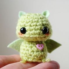 ~*no pattern*~ Baby Green Bat - Kawaii Mini Amigurumi: omg. i'm sort of losing it over this little dude. so cute Cute Crochet, Crochet Crafts, Yarn Crafts, Crochet Projects, Knit Crochet, Crochet Amigurumi, Amigurumi Patterns, Crochet Dolls, Crochet Patterns