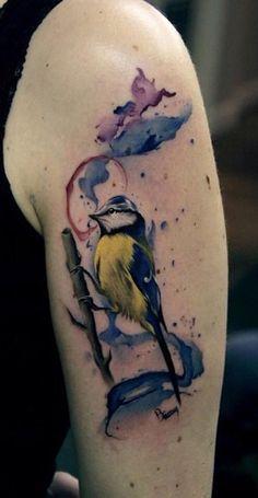 parus venustulus bird tattoo Bird And Flower Tattoo, Bird Tattoo Back, Flower Tattoos, Watercolor Hummingbird, Watercolor Bird, Watercolor Tattoos, Tattoo Under Chest, Chest Tattoo, Pfau Tattoo