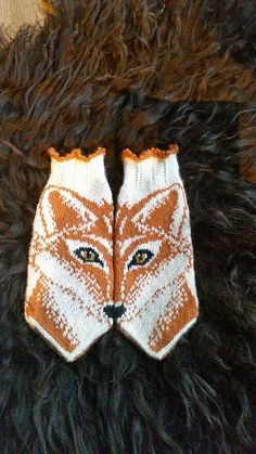 Knitting pattern for Foxy mittens by JennyPenny