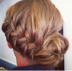 Side bun with braid Braided Chignon, Messy Bun With Braid, Messy Buns, Simple Braids, Prom Hair Updo, Bridesmaid Hair Updo, Box Braids Hairstyles, Wedding Hairstyles, Cool Hairstyles