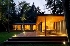 Modern House Facades, Modern Tiny House, Modern House Plans, Yellow Brick Houses, Small Dog House, Black House Exterior, Luxury Homes Exterior, Cottage Porch, House Shutters
