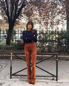 Jeanne Damas: Elements of Style - faraway places Parisian Style Fashion, 70s Fashion, Look Fashion, Girl Fashion, Fashion Outfits, Fashion Vintage, French Street Fashion, Fashion Stores, Fashion Ideas