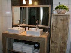 Badkamerkast van nieuw of oud steigerhout | Badkamermeubels | JORG`S Houten Meubelen
