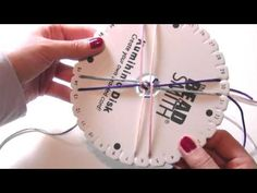 Abalorios manualidades - Pulsera con Telar Kumihimo - YouTube