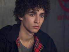Robert Sheehan <3 (Douglas Thatcher - 17yrs old, best friends with Laurel and Pen, human and the joker of the group, always trying to make light of a situation)