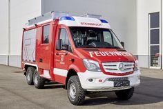 Feuerwehrfahrzeug auf Basis des Mercedes-Benz Sprinter 6x6 von Oberaigner. (500×333)