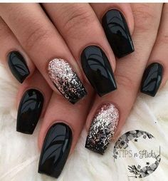The advantage of the gel is that it allows you to enjoy your French manicure for a long time. There are four different ways to make a French manicure on gel nails. Acrylic Nail Designs, Nail Art Designs, Nails Design, Black Nail Designs, Design Art, Design Ideas, Nails Yellow, Dark Purple Nails, Green Nail