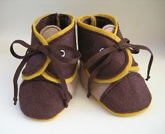 Our Nesting Ground: Toddler shoes - updated from free Martha Stewart pattern Baby Boy Shoes, Toddler Shoes, Baby Booties, Boys Shoes, Sewing Kids Clothes, Sewing For Kids, Baby Sewing, Kid Clothing, Sew Baby