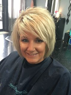 66 Chic Short Bob Hairstyles & Haircuts for Women in 2019 - Hairstyles Trends Medium Hair Cuts, Short Hair Cuts, Medium Hair Styles, Short Hair Styles, Bob Hairstyles For Fine Hair, Hairstyle Men, Men's Hairstyles, Formal Hairstyles, Wedding Hairstyles