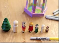 Sharpie pens make it easy to decorate peg dolls. Kids love making these for themselves, and as gifts to give to others!