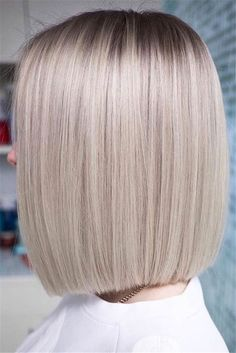 31 Refreshing Medium Length Hairstyles Medium length hairstyles are so popular because they are just the perfect – not extra long, and not extra short. We have created a gallery where you can catch much inspo. Medium Length Hair Straight, Short Hair Cuts, Short Pixie, Short Medium Hair Styles, Medium Length Bobs, Medium Bob Hairstyles, Straight Hairstyles, Pretty Hairstyles, Medium Length Haircuts