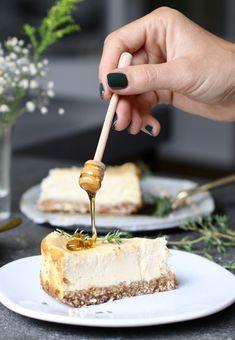 Geitenkaas cheesecake met dadelbodem, Gezonde taarten, Glutenvrije taarten, Hartige taarten, Glutenvrije foodblogs, Hartige cheesecake, Beaufood recepten