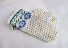 hand knitted wool mittens latvian mittens patterned white