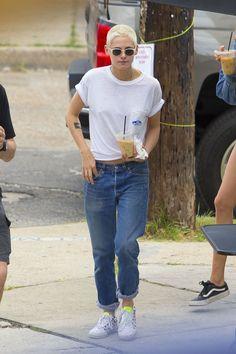 #KristenStewart Kristen Stewart - Out in New Orleans, Louisiana 05/29/2017 | Celebrity Uncensored! Read more: http://celxxx.com/2017/05/kristen-stewart-out-in-new-orleans-louisiana-05292017/