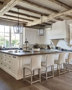 Traditional kitchen with rustic reclaimed ceiling beams. Traditional white kitchen with rustic reclaimed ceiling beams. Traditional kitchen with rustic reclaimed wood ceiling beams Candelaria Design Associates Country Kitchen Designs, French Country Kitchens, Rustic Kitchen Design, Interior Design Kitchen, Rustic Design, Country Interior Design, Farmhouse Design, French Country Bathroom Ideas, Country Kitchen Ideas Farmhouse Style