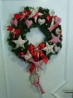 Weihnachtsdeko - Türkranz Weihnachten Sterne+Herzen+Zuckerstangen u - ein Designerstück von Dekostuebchen bei DaWanda