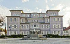 Hemsbach: Rathaus (ehemaliges Rothschild-Schloss)
