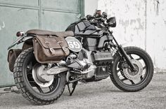 Give us a look @ dapperNdame BMW K75 Canaja by Luca Siviero