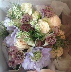 Summer bridal - roses, scabious, astrantia