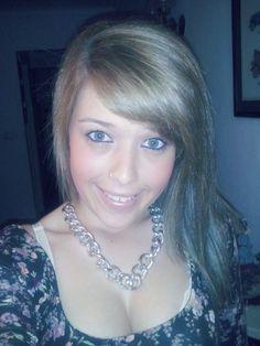 « A curva mais bonita em uma mulher , sem duvidas é o sorriso. » ;)